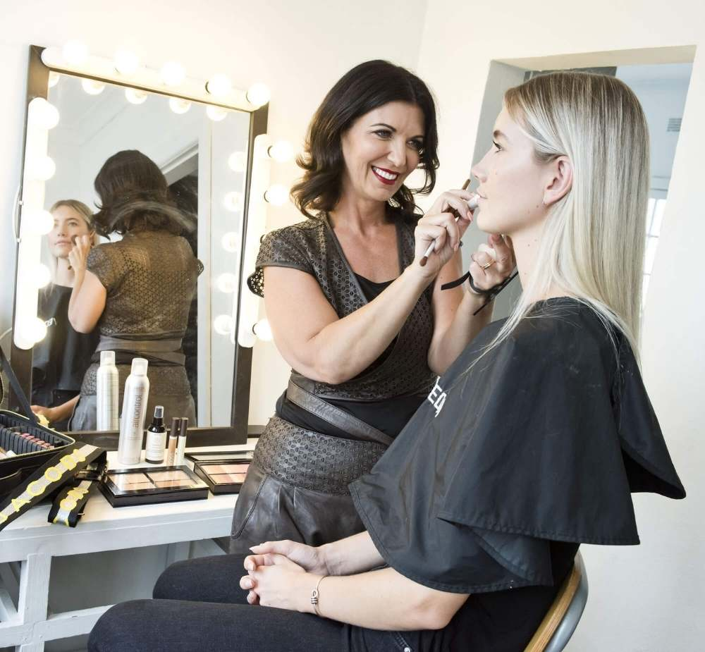 Zahrina Robertson Personal, Branding Photography and Video Branding for Makeup Artists in Sydney - zp-home-inner-1